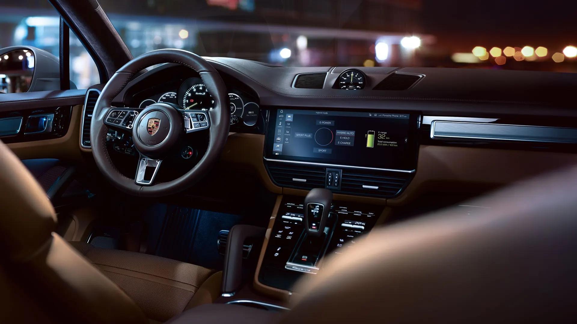 Porsche Cayennen ohjaamo